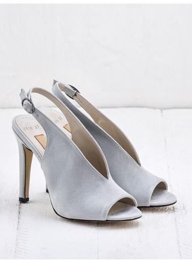 Elle Ayakkabı Taş